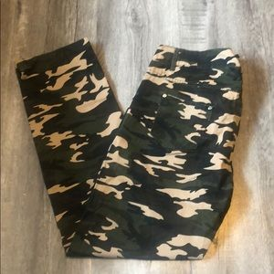 NWT Distressed Camouflage woven pants